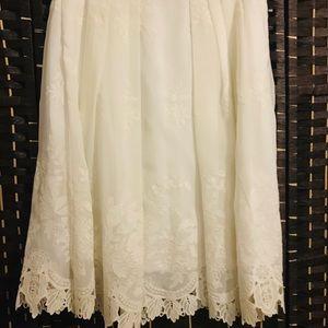 Comfy white skirt